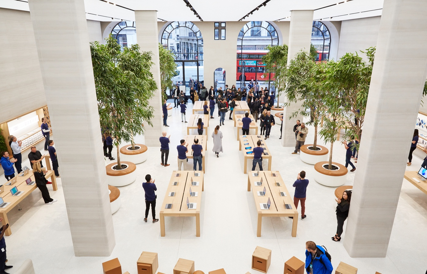 real-time sales at an Apple store